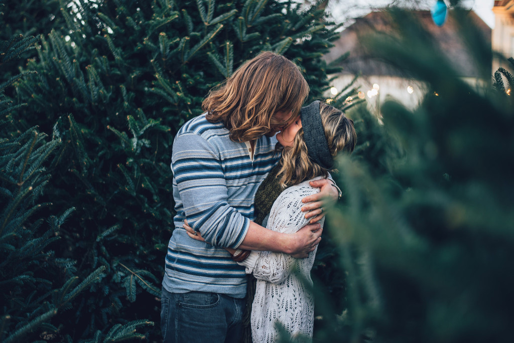 Christmas couple photography